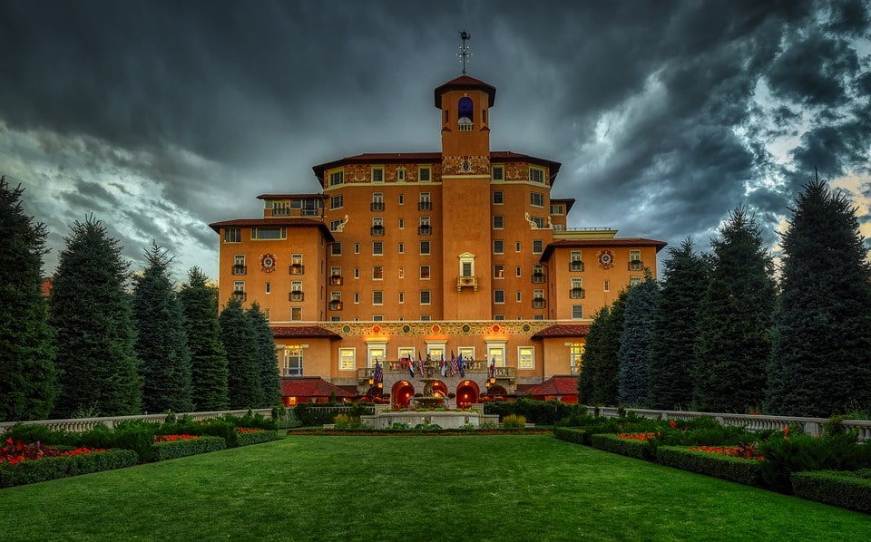 Pet-Friendly Hotels in Colorado Springs